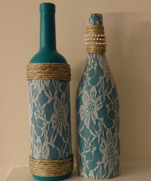 DIY Lace Wine Bottles For Wedding Decorations.